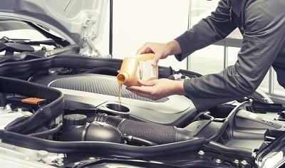 what-happens-if-you-overfill-engine-oil.jpg